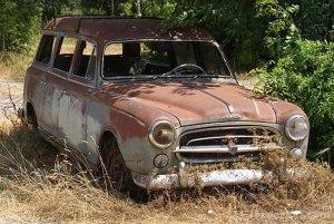 807_40_1644-rusty-old-car_web